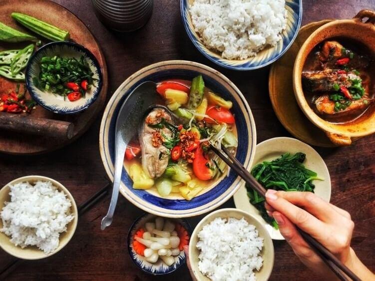 Ăn cơm sai cách sẽ dẫn đến nhiều nguy cơ cho sức khoẻ